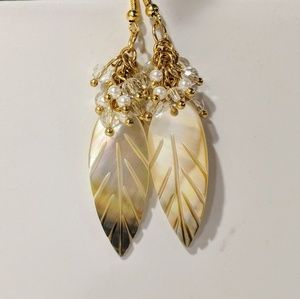 Jewelry - Leaf shell earrings topped with pearls